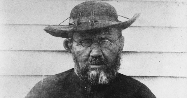 a biography josef de veuster or father damien Posts about jozef de veuster written by carolynclassen it is a fantastic non-fiction biography of father/saint damien so i knew that father damien.